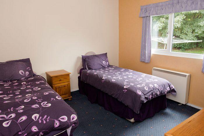 Ocean Mirth & Ocean Rollers twin bedroom